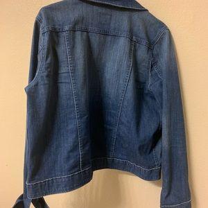 Vineyard Vines Jackets & Coats - Vineyard vines women's denim jacket!